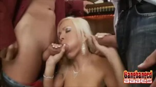 Hot Live Cock Sucking Gangbang At The Club